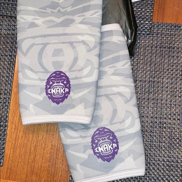 debe444a14 inaka Accessories | Brand New Knee Sleeves | Poshmark